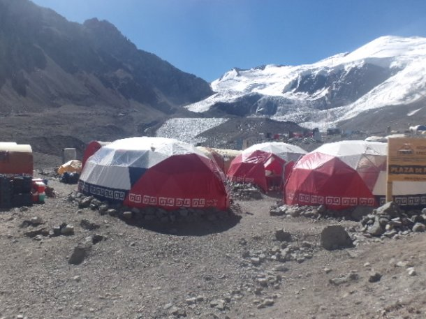 camp de base face nord aconcagua