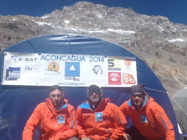 l'équipe lO2LAVIE camp de base aconcagua